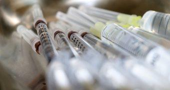 syringe-5057119_640